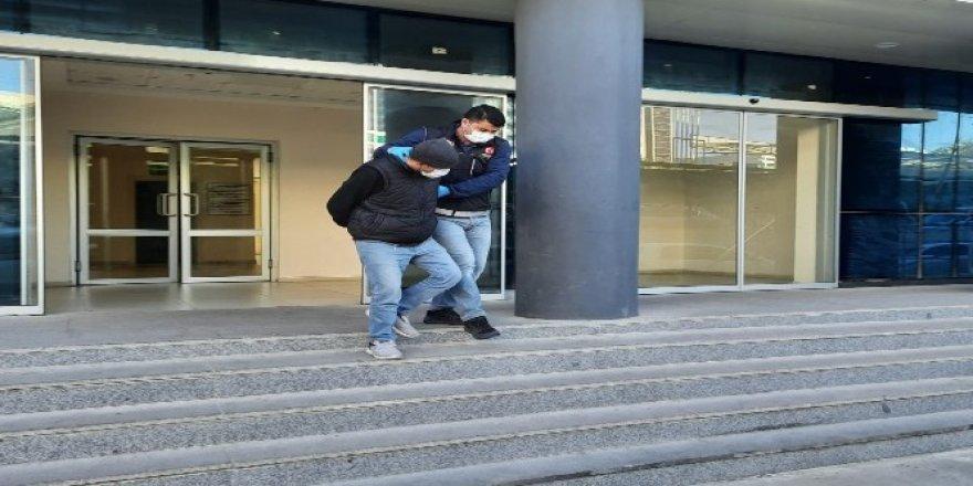 Bursa'dauyuşturucu operasyonu!10 kilo bonzai ele geçirildi
